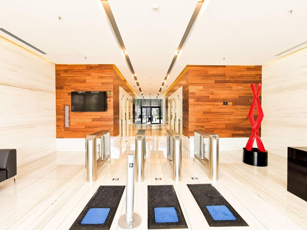 1 de 19: Lobby Principal
