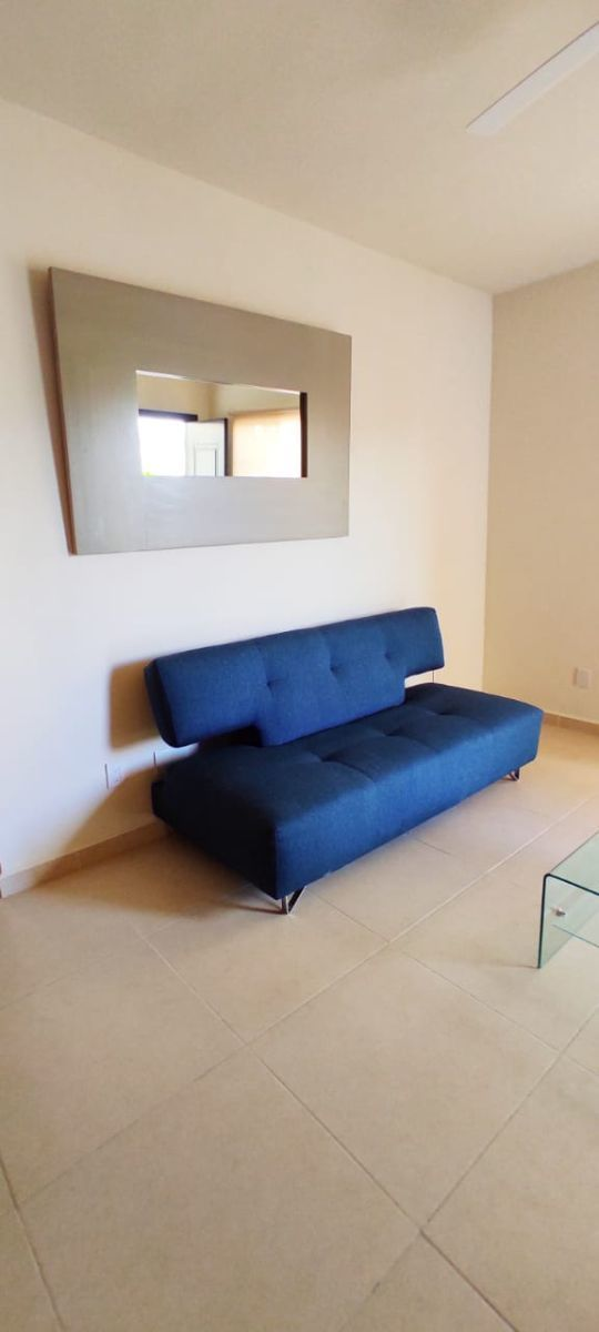 22 de 32: Sofa