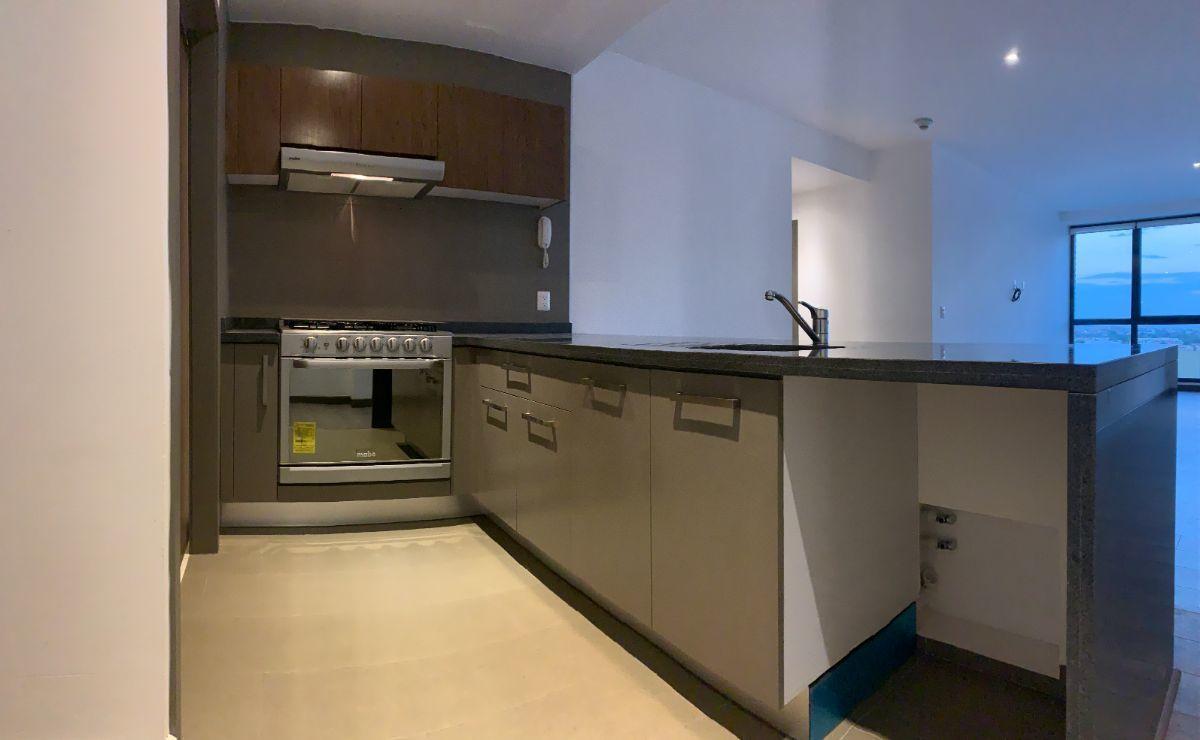 9 de 16: Cocina con espacio para lavavajillas
