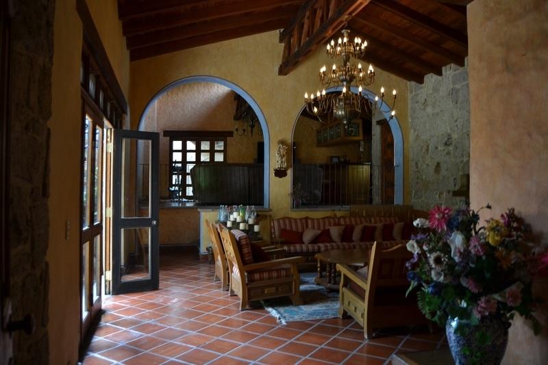 Baño Estilo Colonial: de Lujo En coto Con Alberca Estilo Hacienda Mexicano contemporaneo