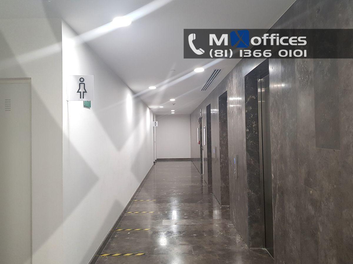 8 de 17: ELEVADORES PISO OFICINAS