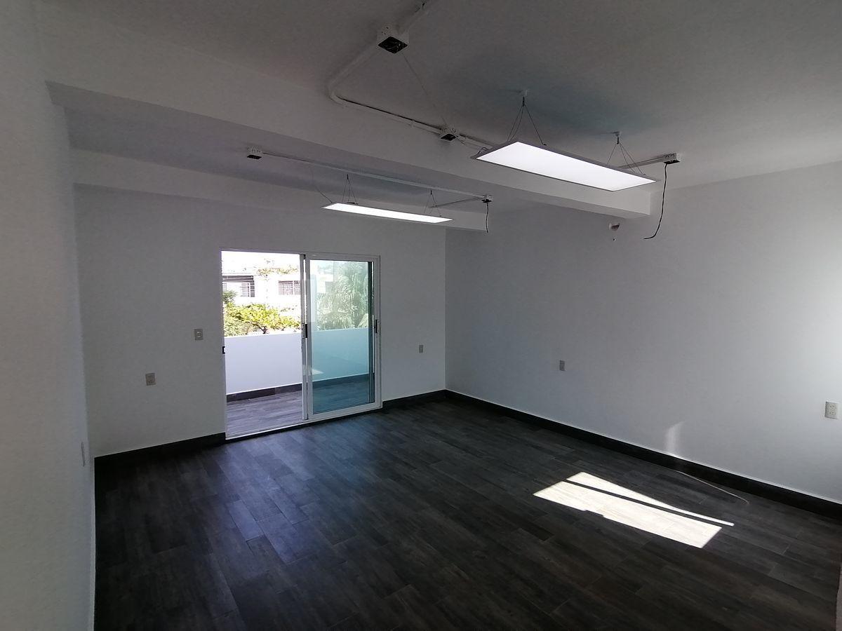 8 de 8: Área para sala de juntas o módulos para oficina
