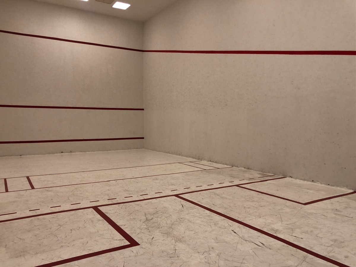 21 de 27: Cancha de Squash