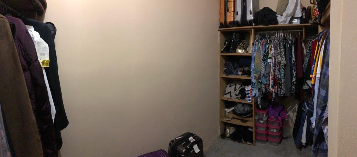14 de 22: Amplísimo vestidor en la recámara 1