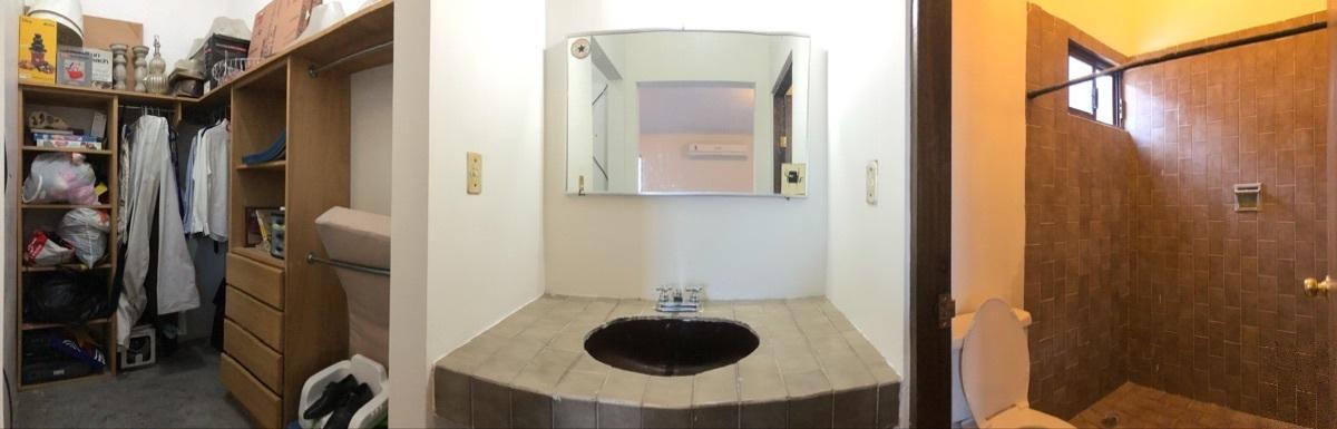 18 de 22: Vestidor y baño en la recámara 3