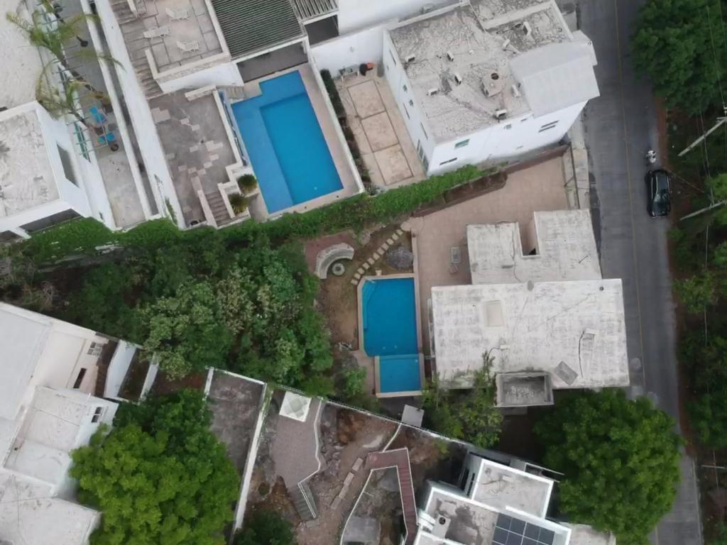 2 de 22: Casa en venta a valor terreno en Jardines Coloniales