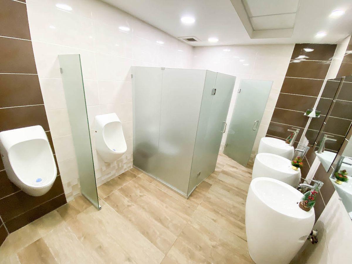 30 de 38: Baño común por piso