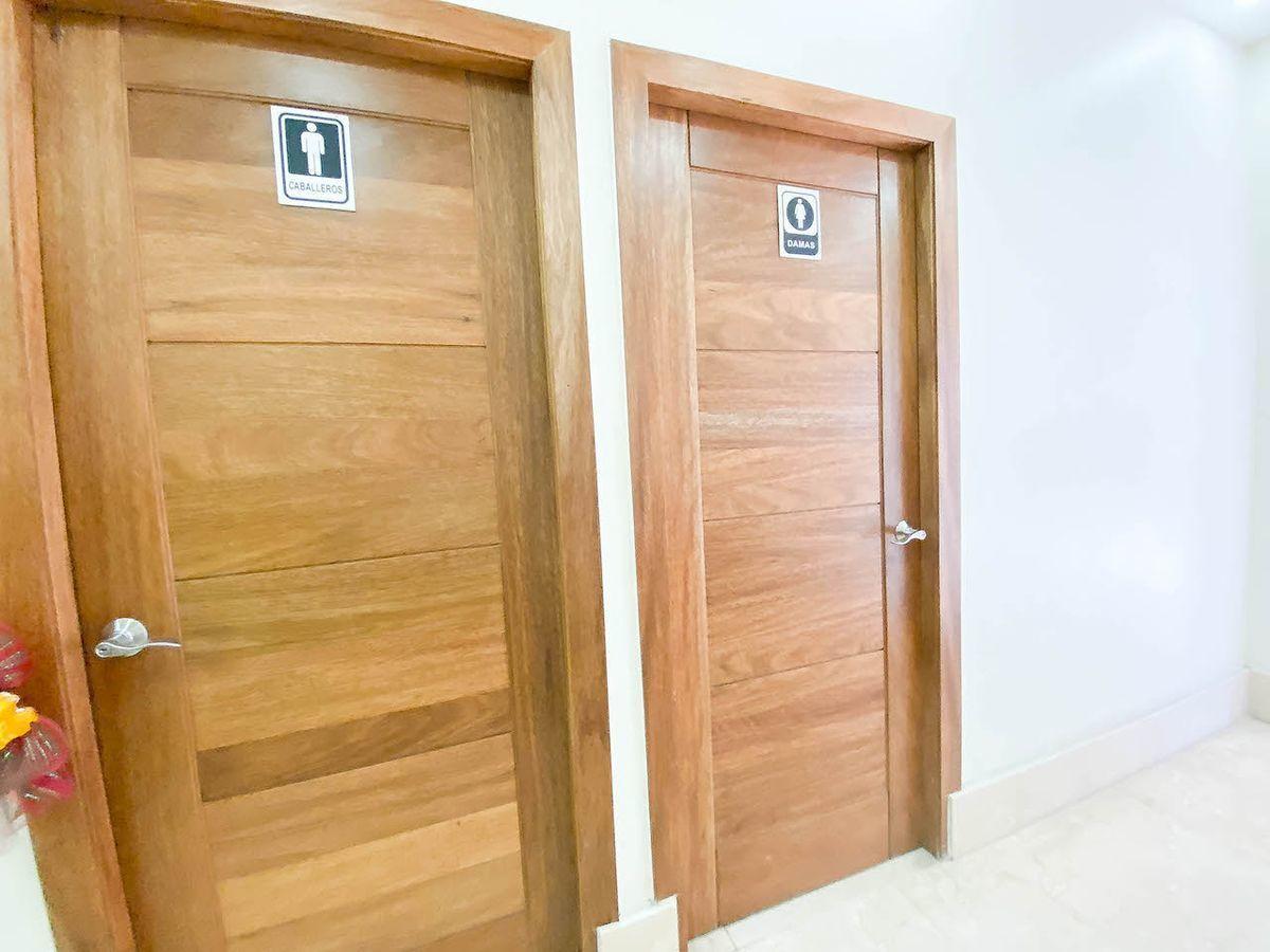 28 de 38: Baños comunes por piso
