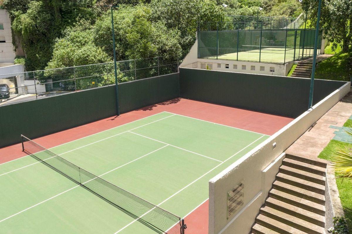 35 de 38: Canchas de tennis paddle, tennis y squash