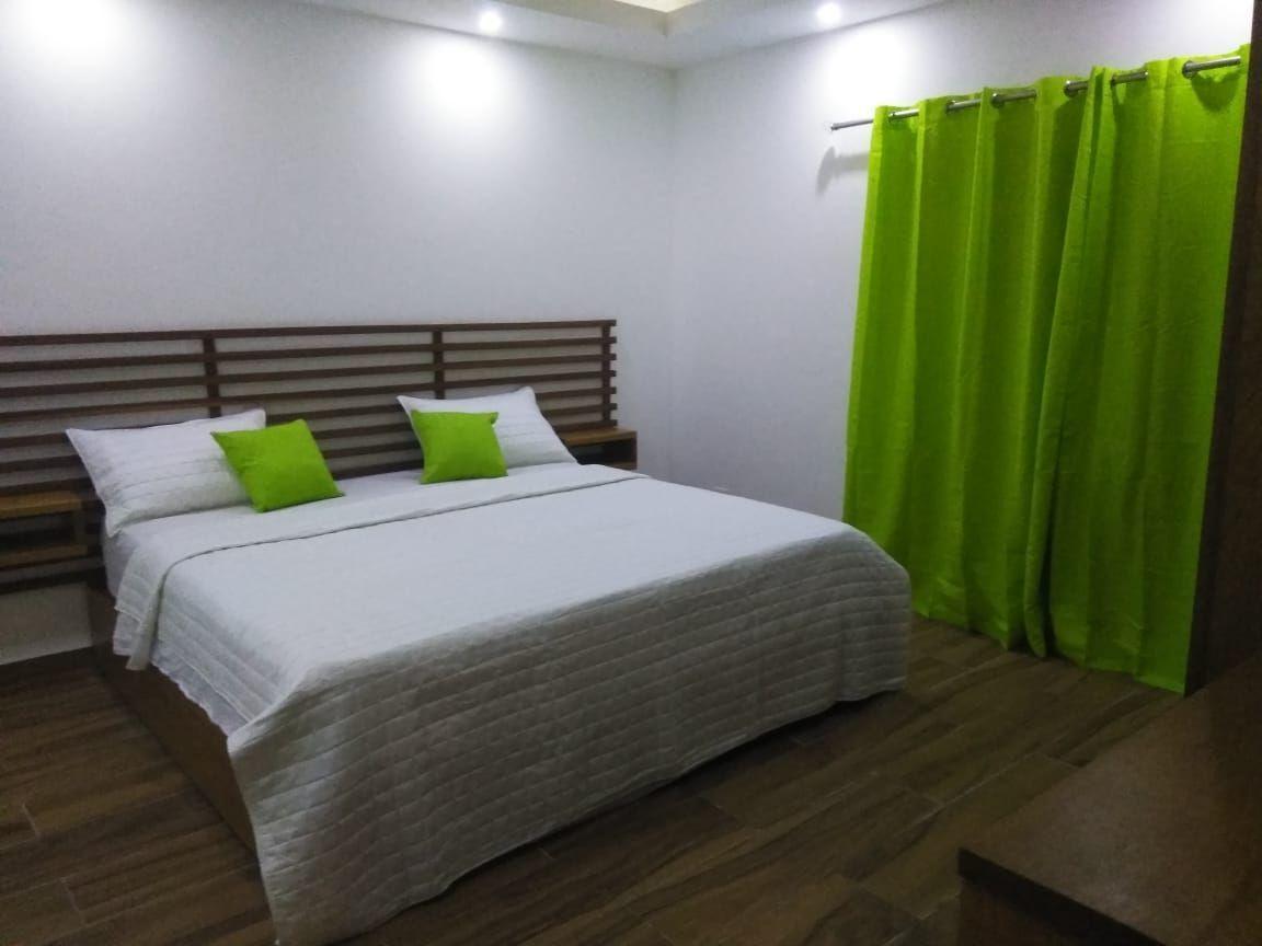 1 de 29: Hotel en venta samana 40 dormitorios vista la la bahia