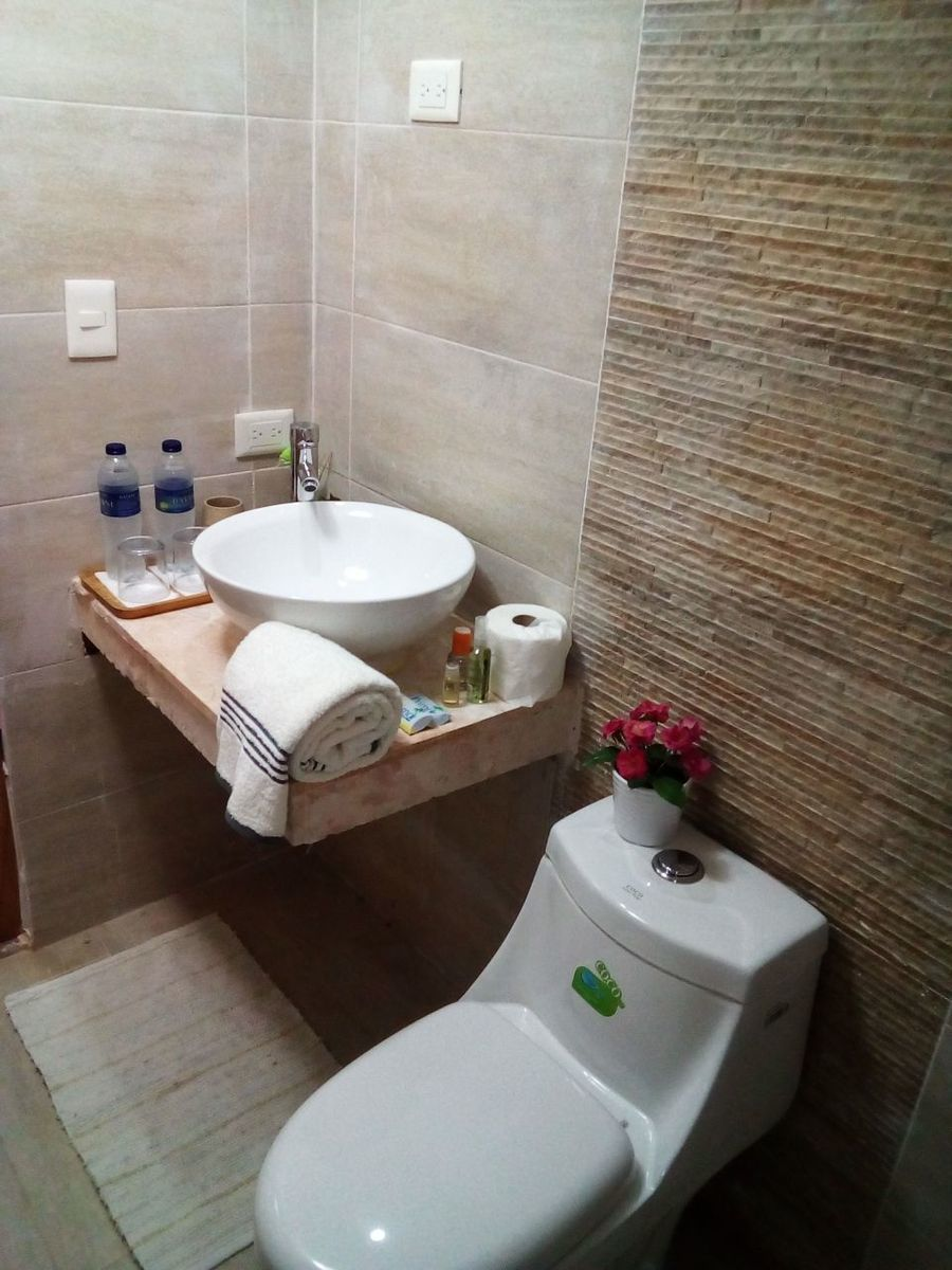 16 de 29: Hotel en venta samana 40 dormitorios vista la la bahia