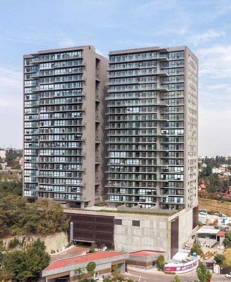 2 de 48: Fachada edificio