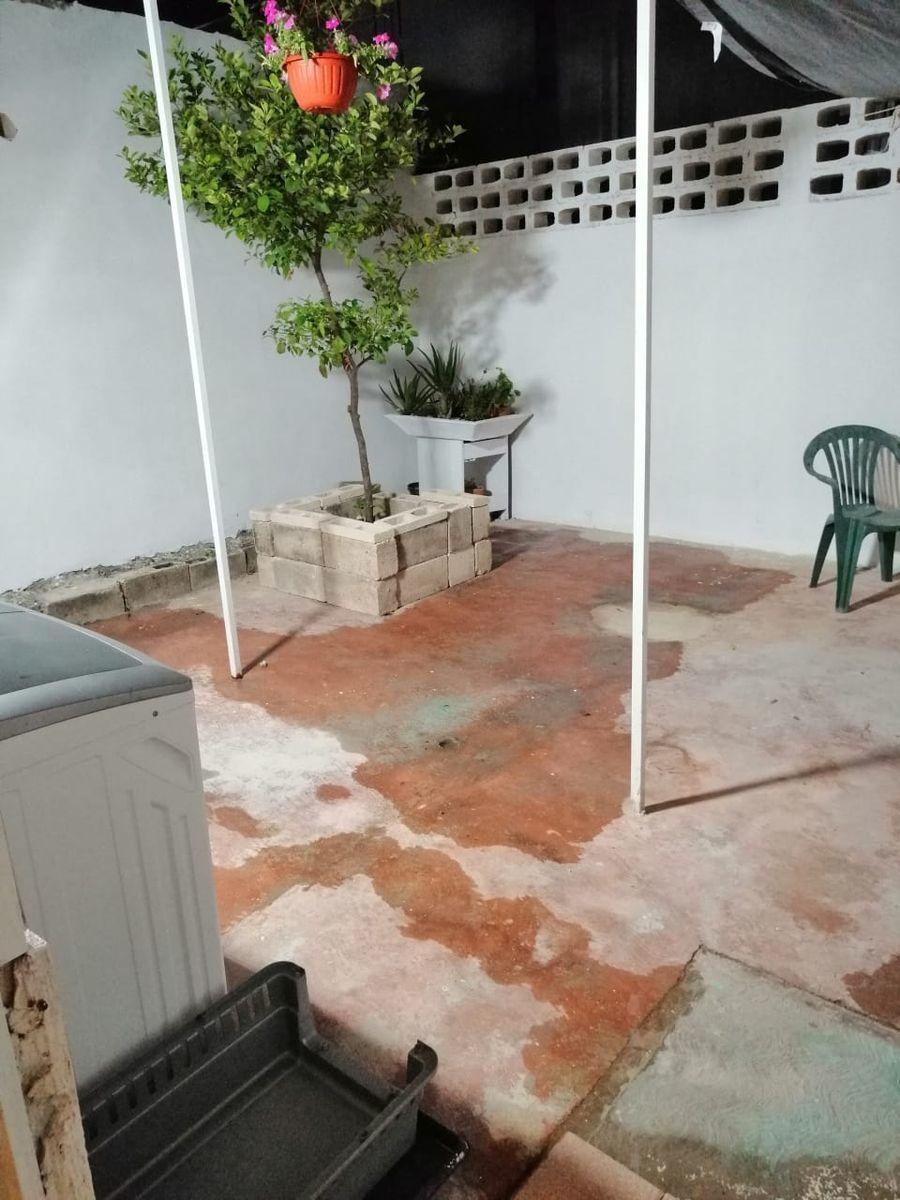 9 de 10: patio trasero semi techado