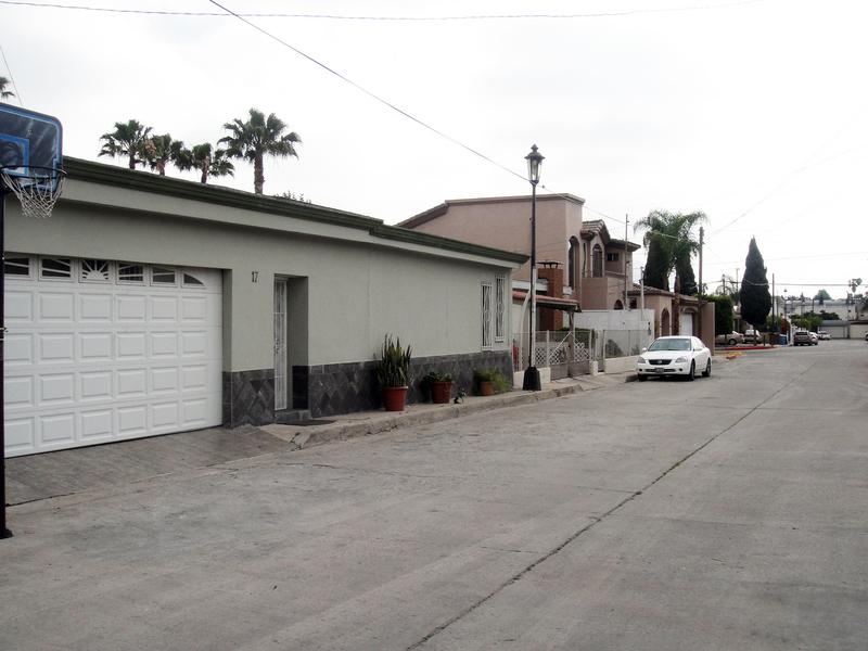 2 de 9: Casas en Venta en Chapultepec California Tijuana MPVCAR01