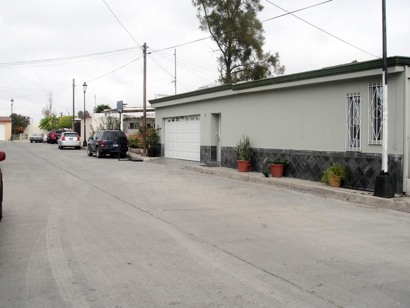 1 de 9: Casas en Venta en Chapultepec California Tijuana MPVCAR01