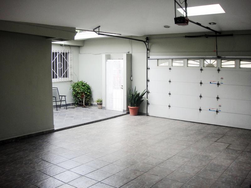 3 de 9: Casas en Venta en Chapultepec California Tijuana MPVCAR01