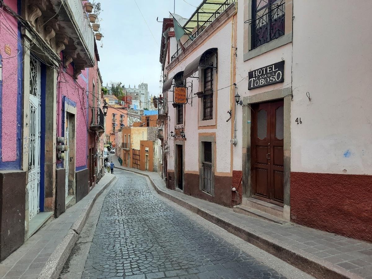 2 de 21: Calle de Positos.