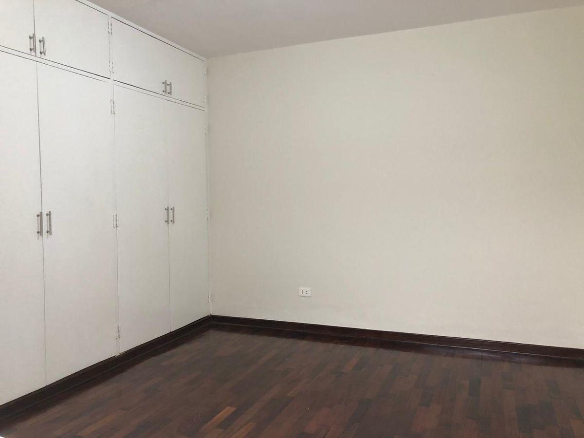 12 de 21: Dormitorio secundario 1.