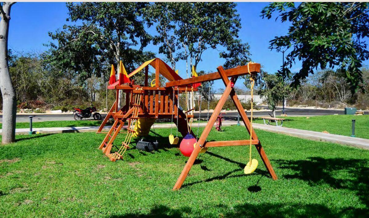 23 de 24: Área de Juegos Infantiles
