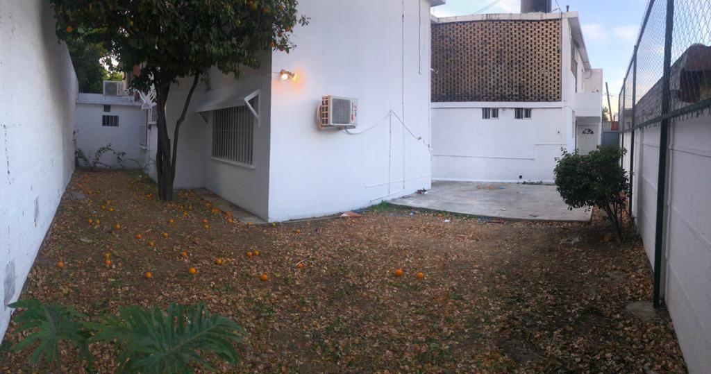 9 de 23: Jardín trasero privado