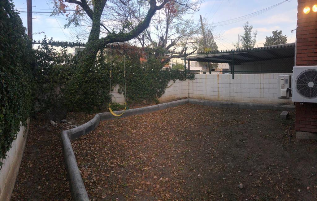 10 de 23: Jardín al frente privado