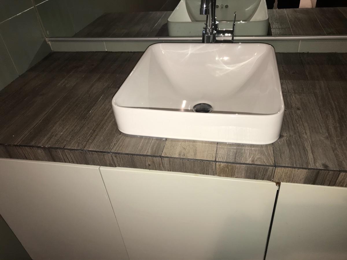 23 de 29: Lavabo baño secundario
