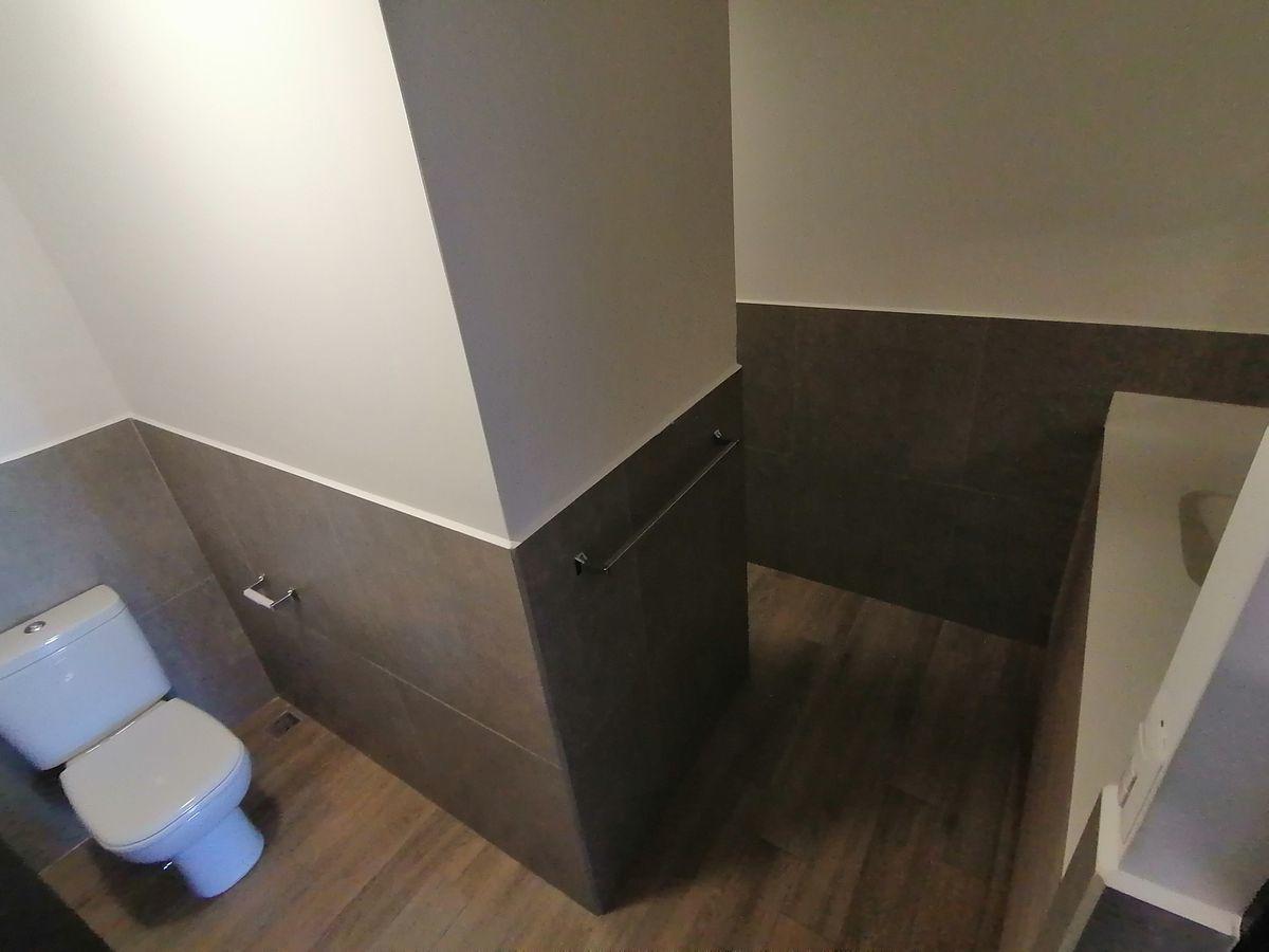 13 de 22: Baño de dormitorio master