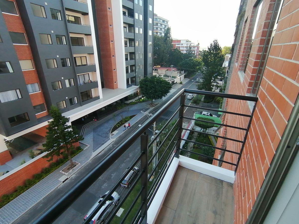 16 de 22: Balcón de dormitorio master
