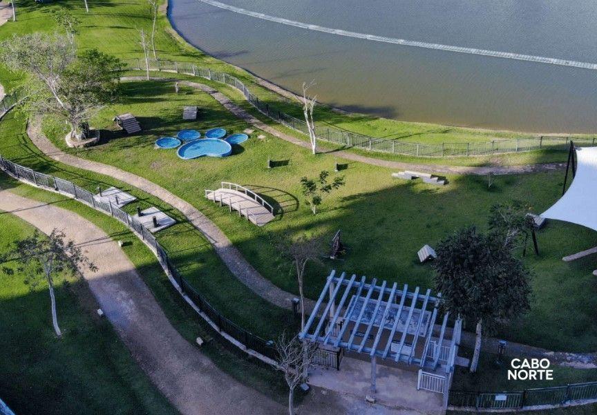 8 de 9: Parques y Lagos