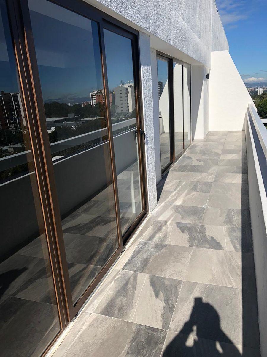 1 de 13: Amplio y doble balcón