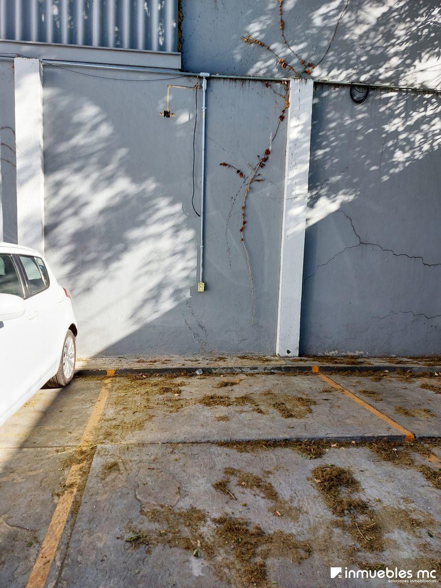 17 de 19: Cajón de Estacionamiento