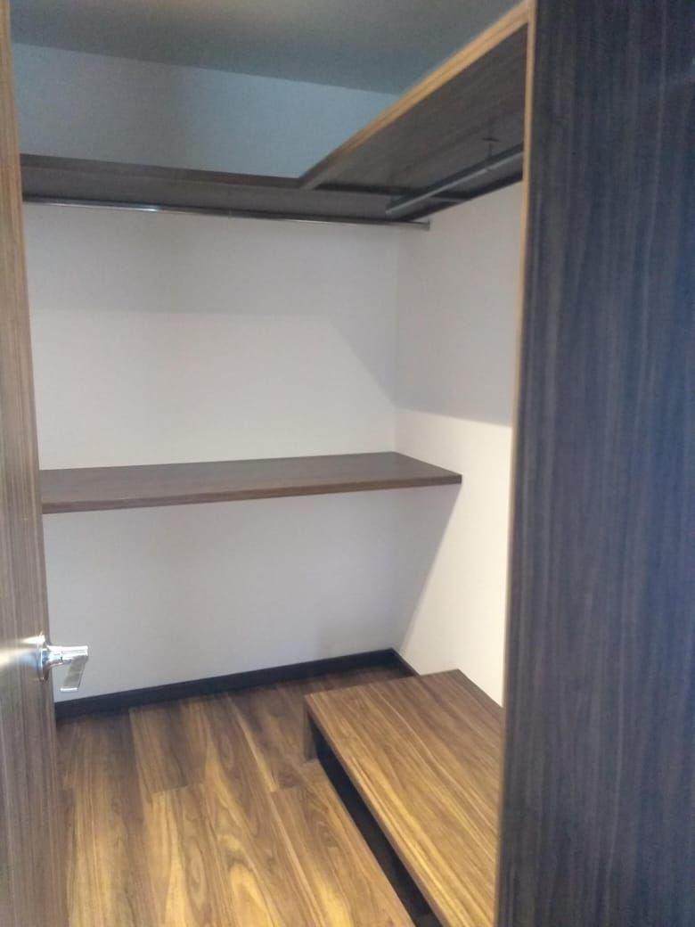 5 de 18: closet recamara principal