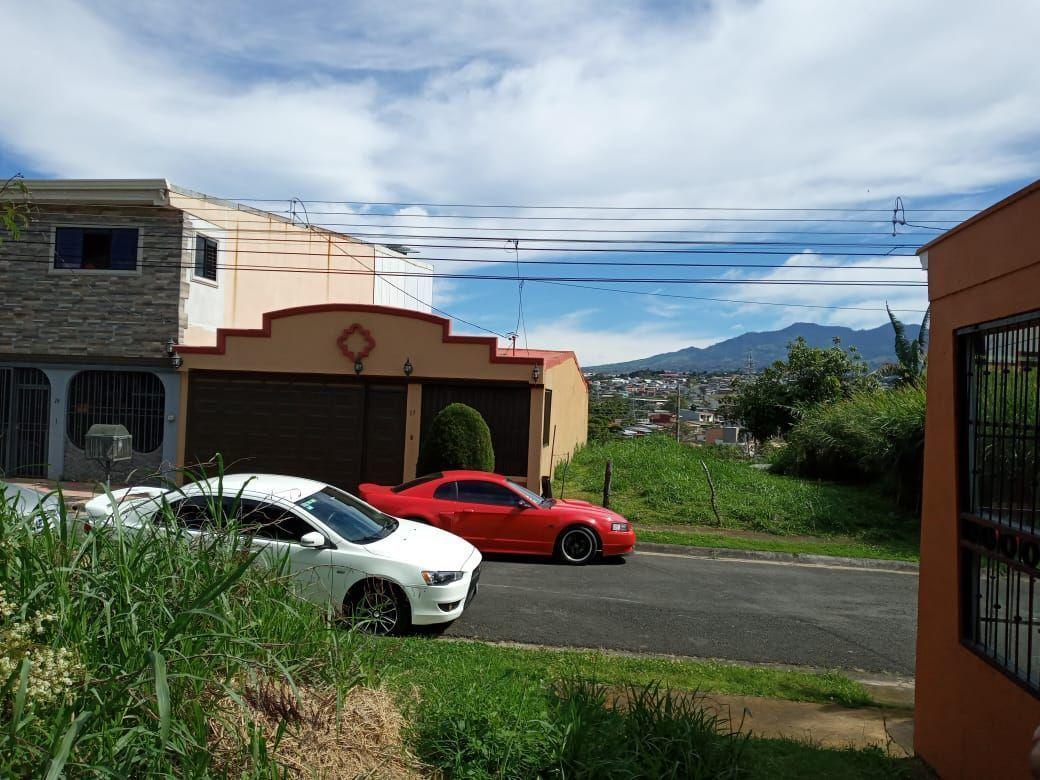 4 de 5: Vista residencial desde el lote