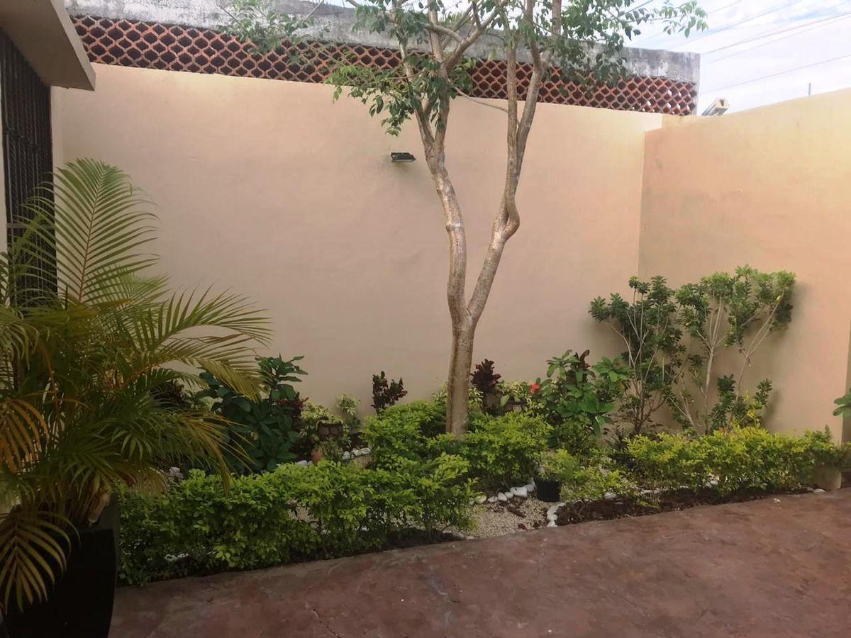 2 de 18: Jardín