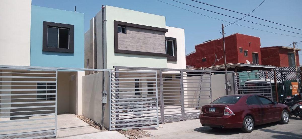 3 de 38: LAs dos casas disponibles
