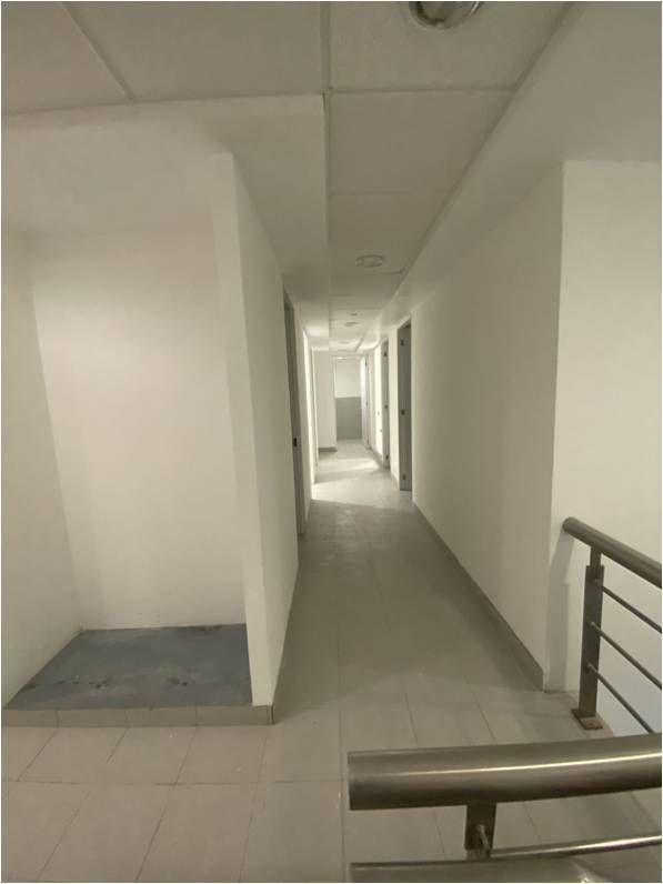 16 de 31: Pasillo primer piso