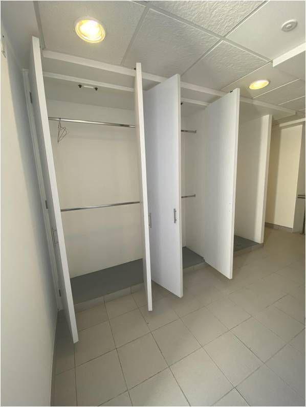 17 de 31: Closets (pasillo salida a Terraza)