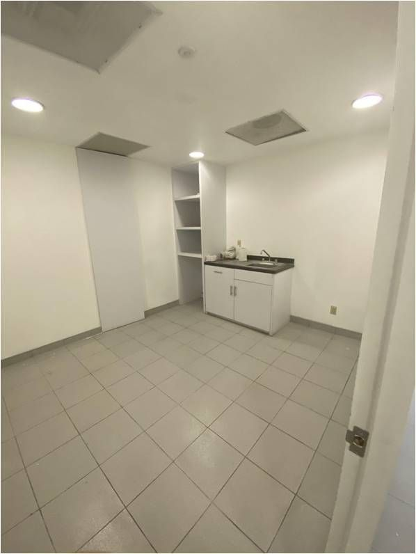 19 de 31: Area para cocina (lado derecho)