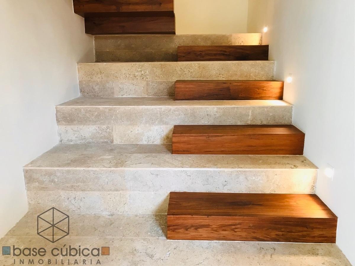 18 de 28: Escaleras de mármol/Tzalam