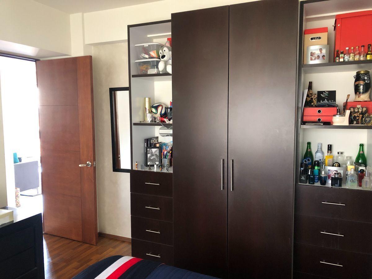 15 de 18: Closet habitación 2