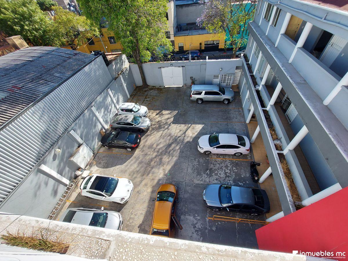 24 de 28: Estacionamiento, vista aerea