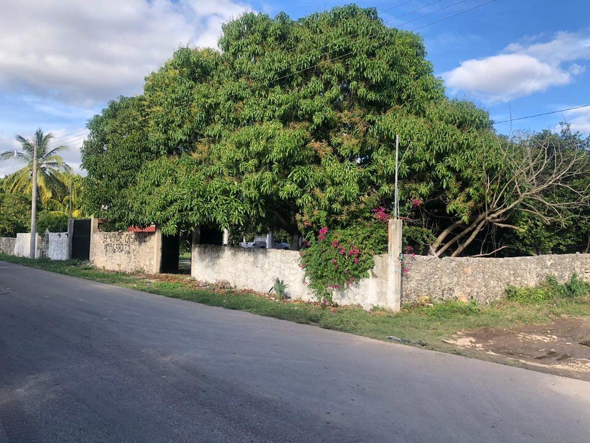 1 de 9: Frente de la casa