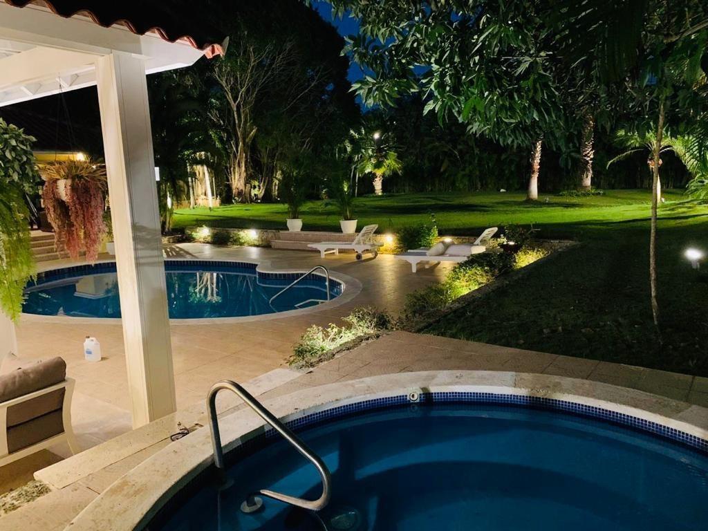3 de 20: Villa casa de campo 4 dormitorios piscina y jacuzzy