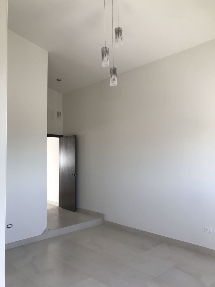 7 de 18: Interior