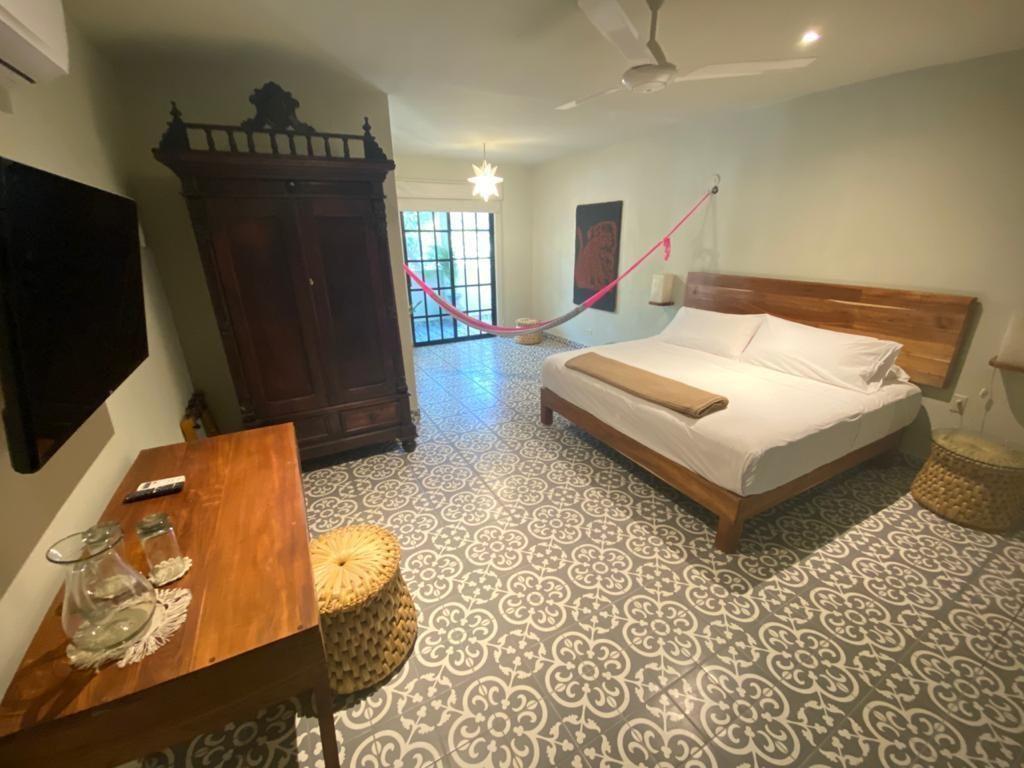 6 de 36: Recamara con cama King Size de Edificio 2.