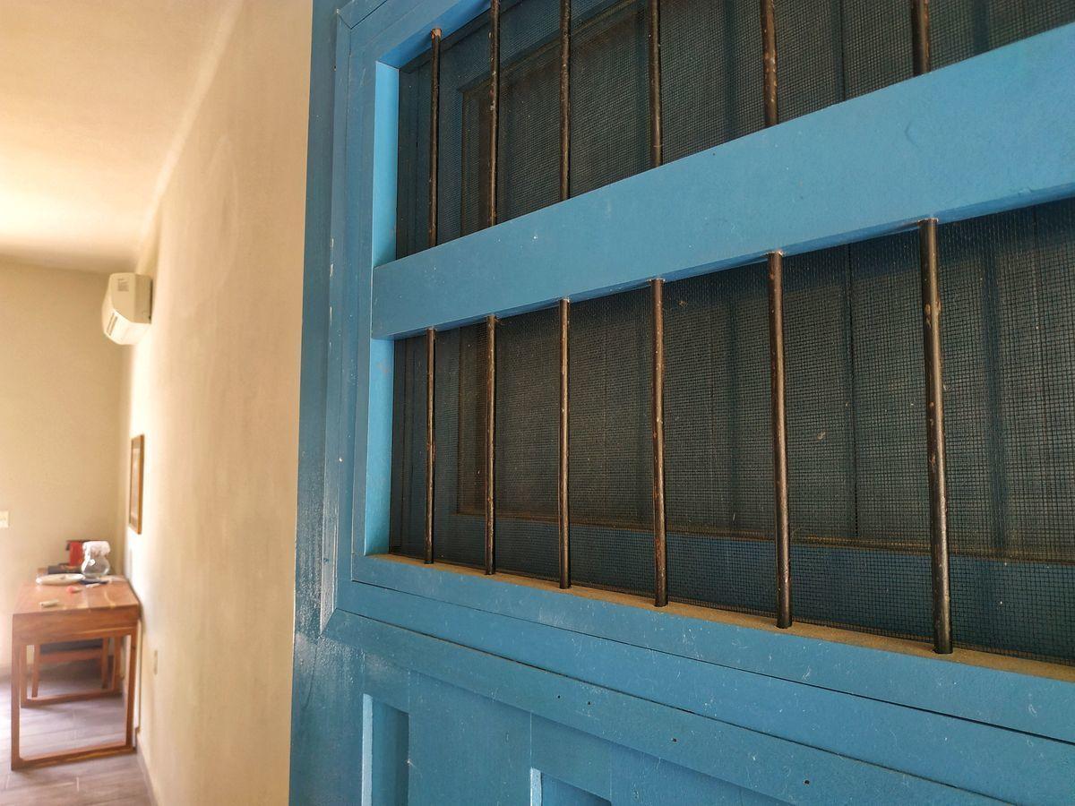 21 de 36: Detalle de puerta Edificio 1.