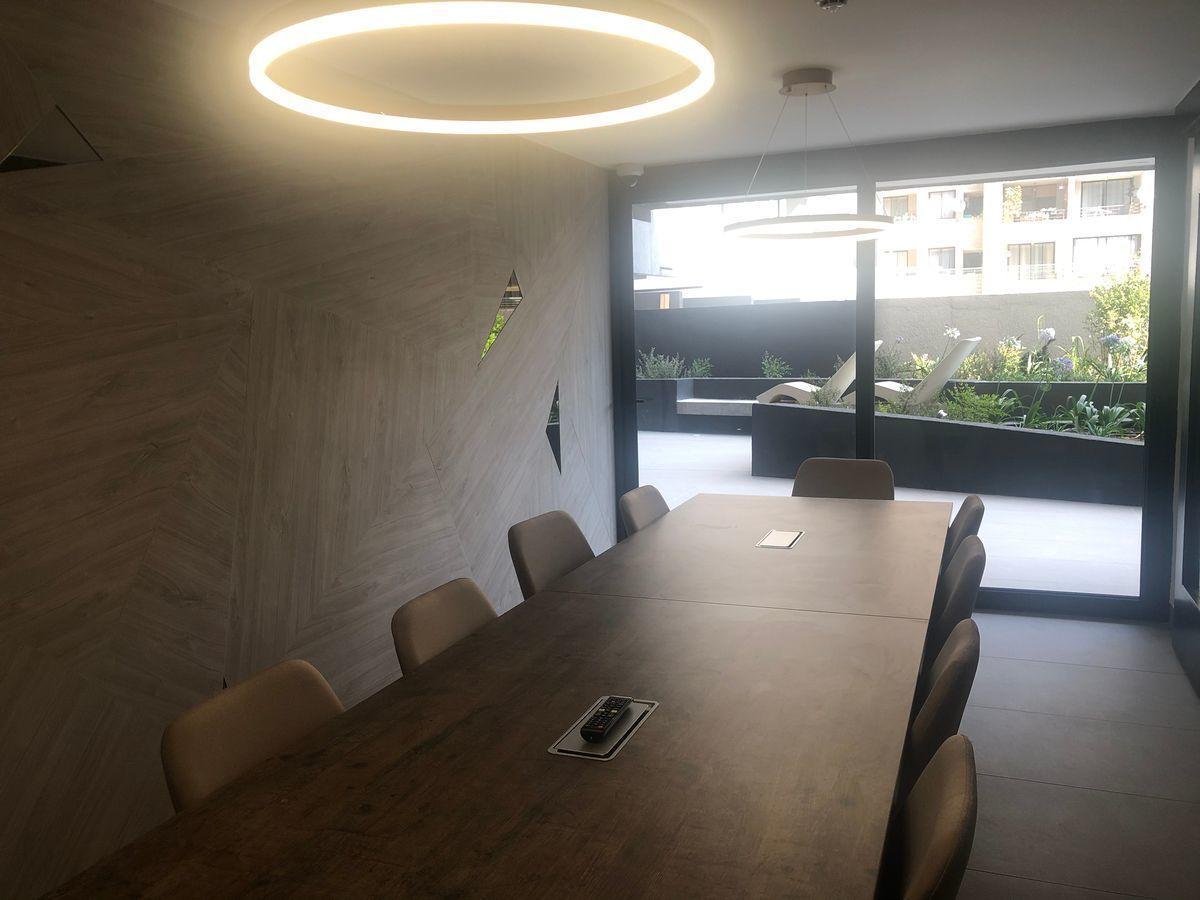 8 de 12: Sala reuniones