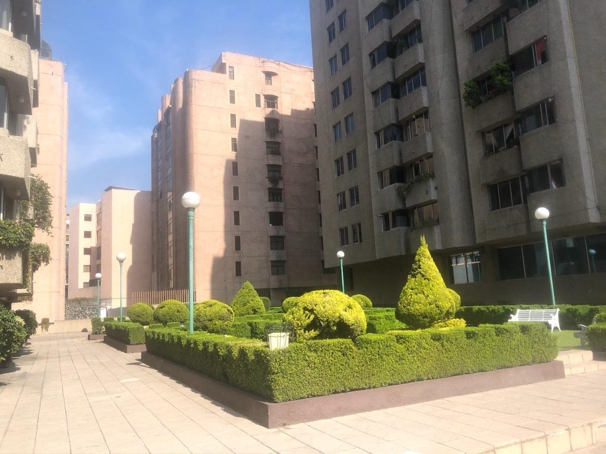 1 de 24: Jardín central