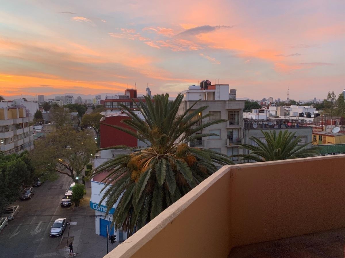 10 de 27: Balcón