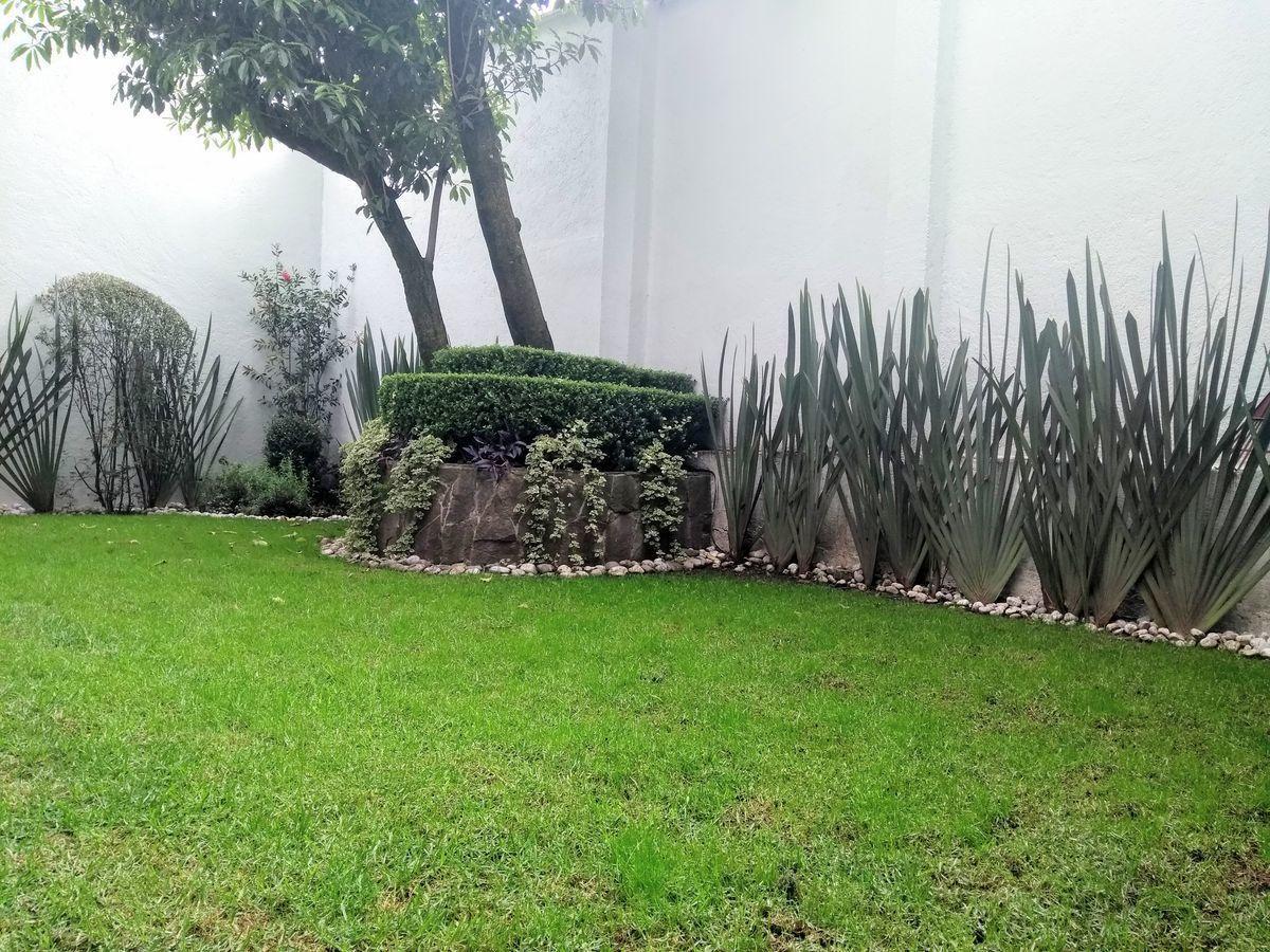 18 de 29: Jardín privado
